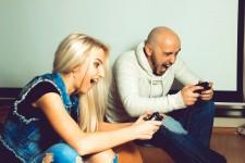 Video Gamers vis Shutterstock