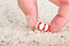 Fallen candy / Shutterstock